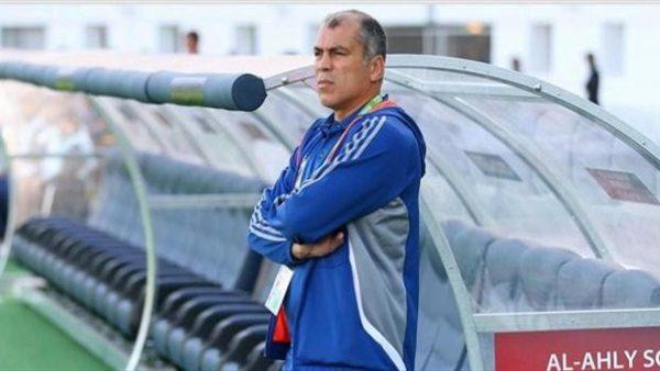 Photo of محمد يوسف يحاضر لاعبي الأهلي قبل التوجه للمباراة