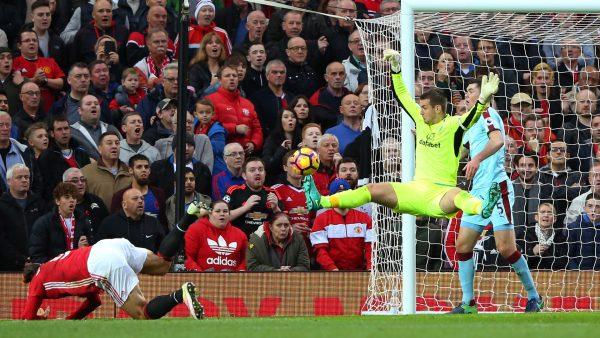مشاهدة مباراة مانشستر يونايتد وبيرنلي بث مباشر 29-1-2019 بالدوري الإنجليزي