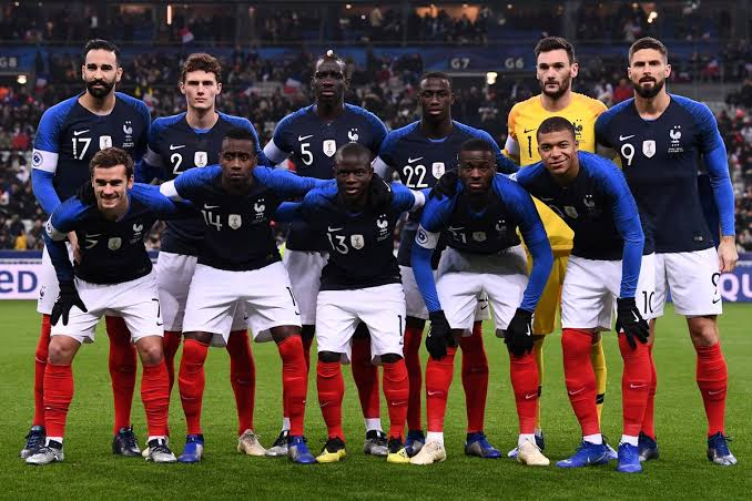 تشكيل فرنسا ضد ايسلندا والقنوات الناقلة
