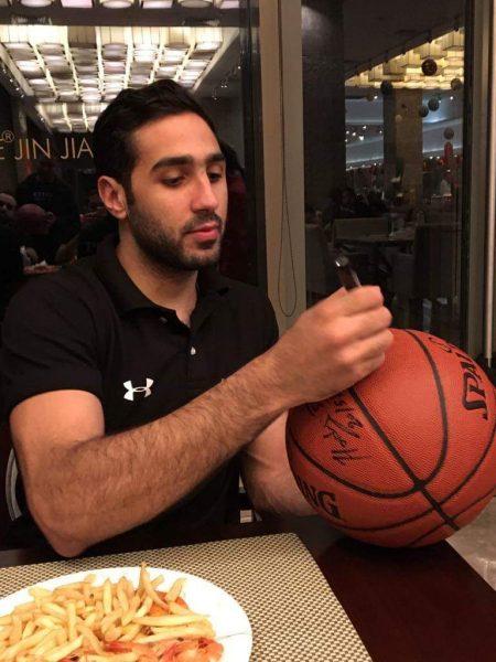 أحمد عزب لاعب الفريق الأول لكرة السلة بنادي سموحة