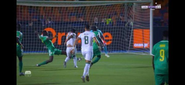 أهداف مباراة الجزائر والسنغال 1/0 بغداد بونجاح