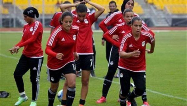 منتخب الكرة النسائية في معسكر مغلق الخميس