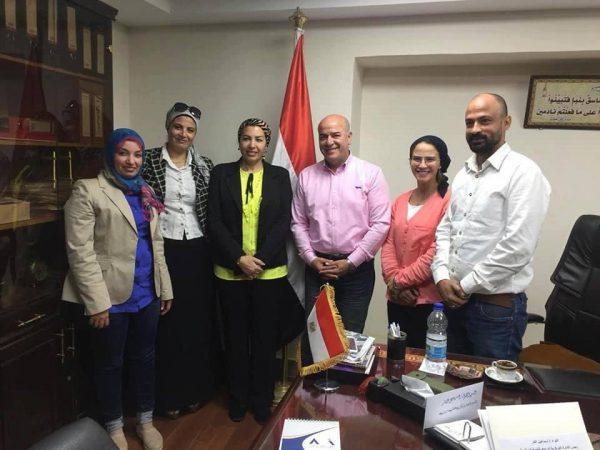 بروتوكول تعاون بين الوزارة و اتحاد الكره والثقافي البريطاني لتعليم مهارات الكره النسائية