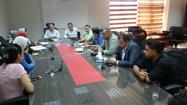 عبد الحق وسعد يجتمعان مع جهاز منتخب الكرة النسائية