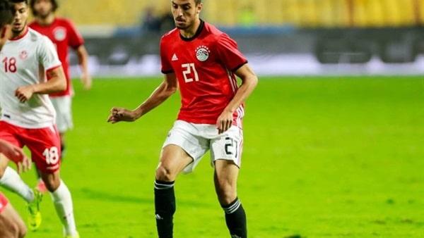 طاهر محمد طاهر يتمسك بالبقاء في معسكر المنتخب الأولمبي