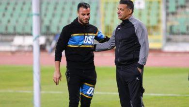 إيهاب جلال يطمئن على أحمد جمعة لاعب المصري