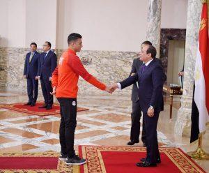 الرئيس السيسي يستقبل المنتخب الأوليمبي