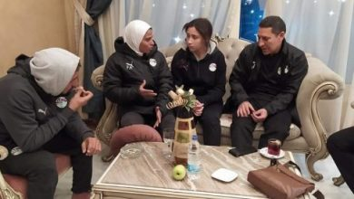 صورة حسين عبد اللطيف : صدمنا بعد قرار عدم مشاركة مواليد 2006 بمنتخب الكرة النسائية
