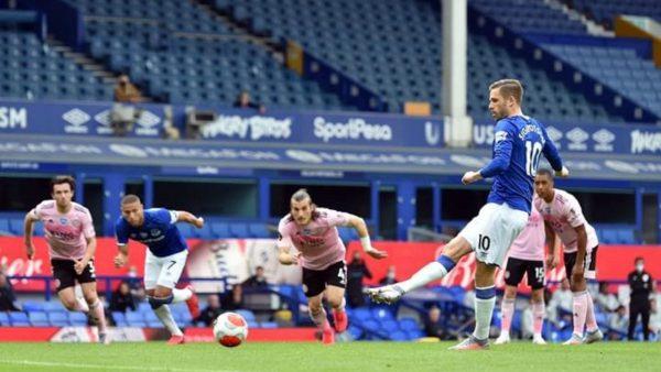 ملخص وأهداف مباراة وست بروميتش ضد ليستر سيتي في الدوري الإنجليزي