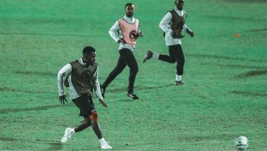 صورة استعدادا للوداد… موسيماني يحاضر لاعبي الأهلي بالفيديو