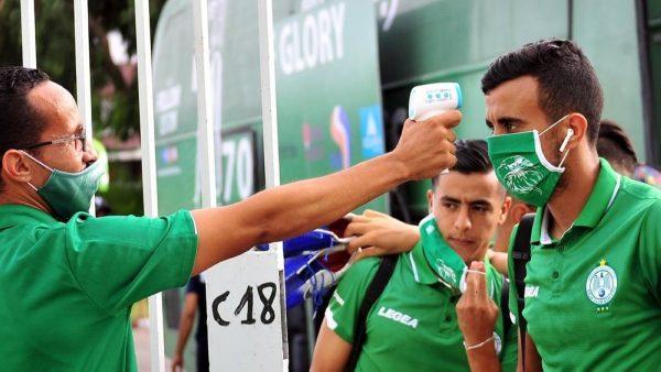 الرجاء المغربي يعلن عن شفاء 4 لاعبين من فيروس كورونا