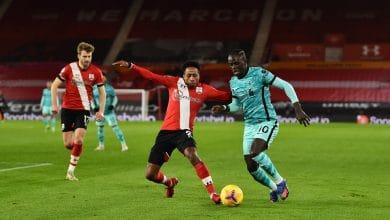ساوثهامبتون يتغلب على ليفربول والصدارة في خطر